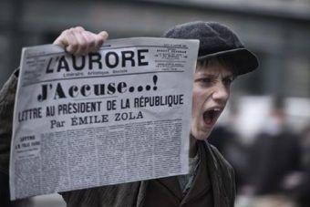 Sprawa Dreyfusa była jedną z najgłośniejszych afer we Francji. To właśnie o niej opowiada film