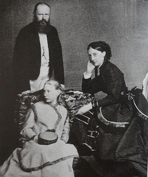 Olga Romanowa z rodziną