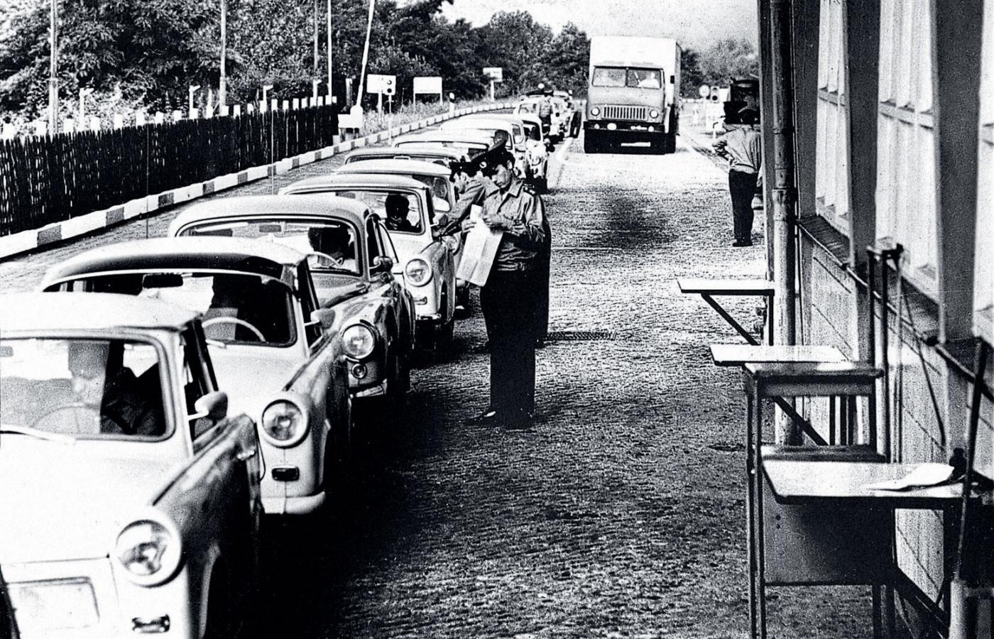 Pomimo otwarcia granic Polacy byli często szykanowani. Zdjęcie poglądowe