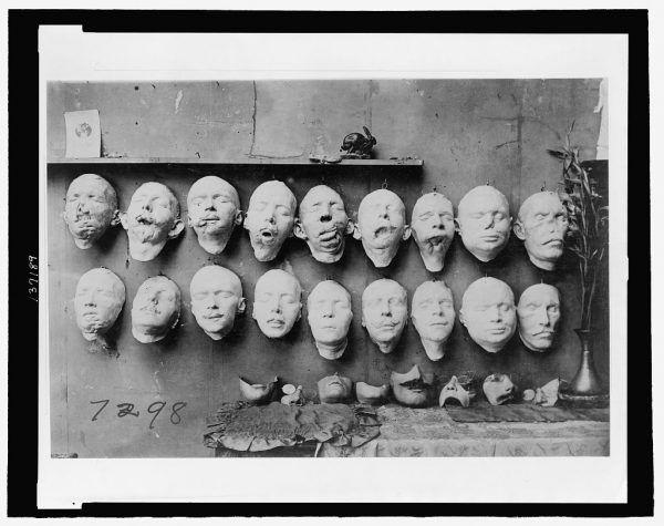 Maski na różnym etapie pracy