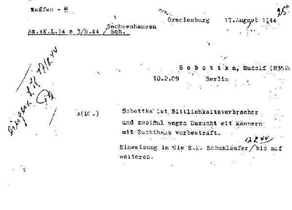 Karta przyjęcia więźnia homoseksualisty, Rudolfa Sobbotki, do obozu koncentracyjnego w Sachsenhausen.