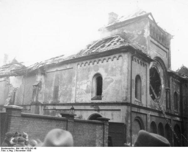 Spalona synagoga w Monachium. Noc kryształowa