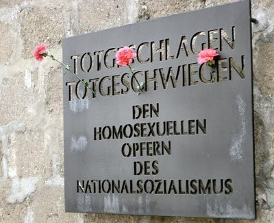 Tablica upamiętniająca homoseksualne ofiary nazizmu