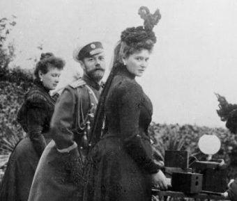 W jaki sposób miłość Mikołaja II i Alix przyczyniła się do rozpadu imperium?