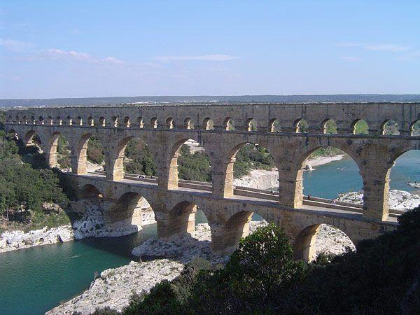Akwedukt Pont du Gard we Francji