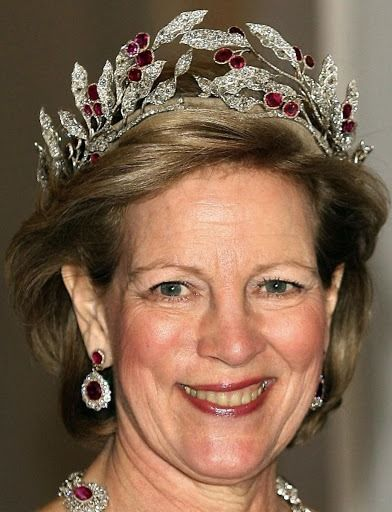 Rubiny greckiej królowej Anny Marii