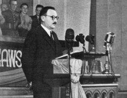 Zdaniem niektórych w 1949 roku prawdziwy Bierut od dawna już nie żył. W jego miejsce podstawiono sobowtóra.