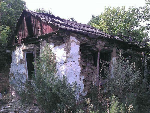 Pozostałości po domku, gdzie zabijał Czikatiło