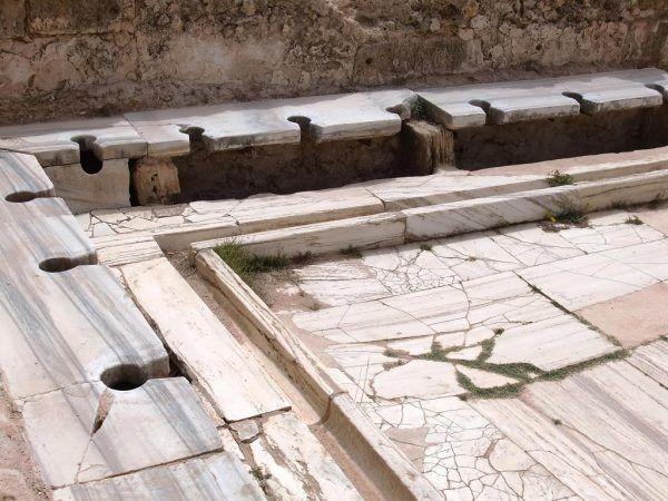 Rzymskie toalety publiczne