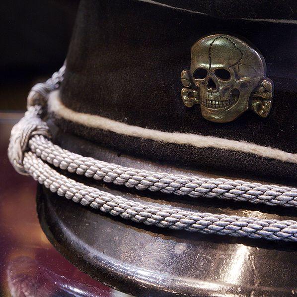 Czapka z symbolem SS – Totenkopf