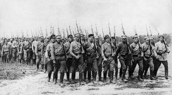 Jak wyglądało życie Warszawiaków, gdy Armia Czerwona zbliżała się do stolicy? Zdjęcie poglądowe