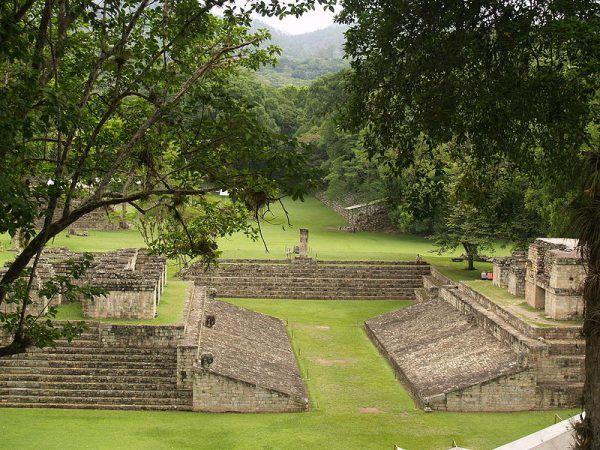 Copán – boisko do gry w ullamaliztli