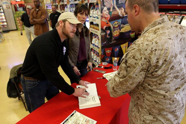 """Chris Kyle w styczniu 2012 roku podczas premiery książki """"American Sniper"""""""