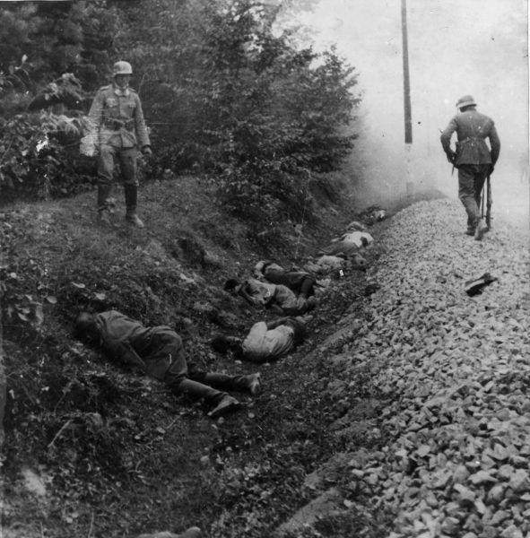 Egzekucja około 300 polskich jeńców wojennych przez żołnierzy niemieckiego 15 stego pułku zmotoryzowanego; Ciepielów, 9 IX 1939