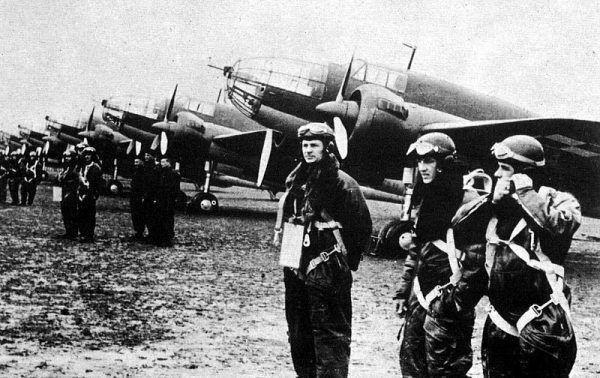 PZL.37 Łoś, polskie bombowce produkowane w latach 1936 1939. Pierwszy pułk lotniczy