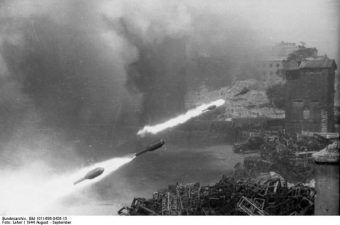 Salwa Nebelwerferów nad Warszawą w 1944 roku