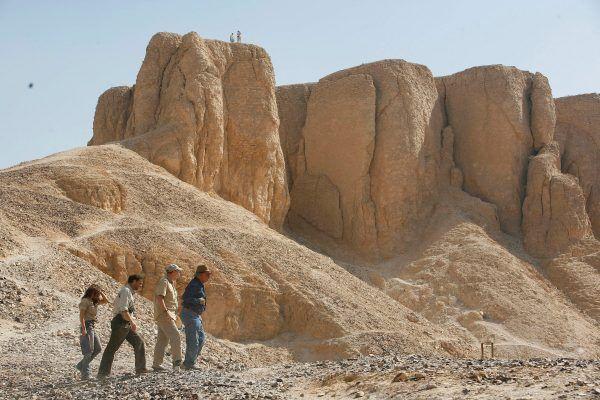 Zanim w głowach Egipcjan narodziła się idea piramidy, władców i możnych I i II Dynastii egipskiej składano w grobach komorowych.