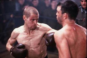 Stając na ringu, musieli pozbyć się wszelkich sentymentów – nie wolno im było odpuścić, póki przeciwnik nie poddał walki – lub nie został znokautowany.
