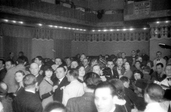 Huczna zabawa w Zakopanem, źródło: Narodowe Archiwum Cyfrowe, 1932 r