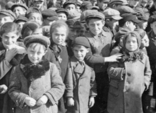 Dzieci w getcie łódzkim.
