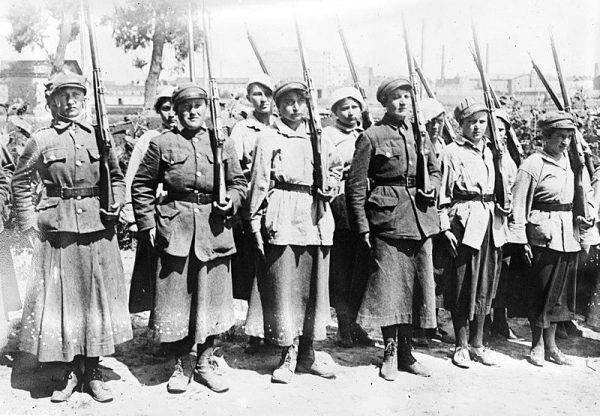 Żołnierki z Ochotniczej Legii Kobiet podczas wojny polsko-bolszewickiej