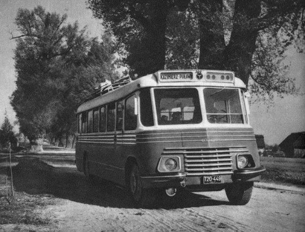 Autobus PKS na trasie Kazimierz Dolny – Puławy, początek lat. 50.