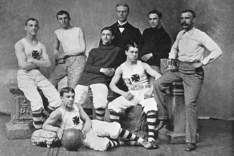 Drużyna koszykarzy z końca XIX wieku