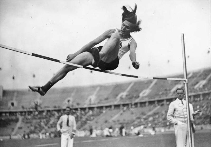 Niemiecka lekkoatletka Dora Ratjen okazała się... mężczyzną.