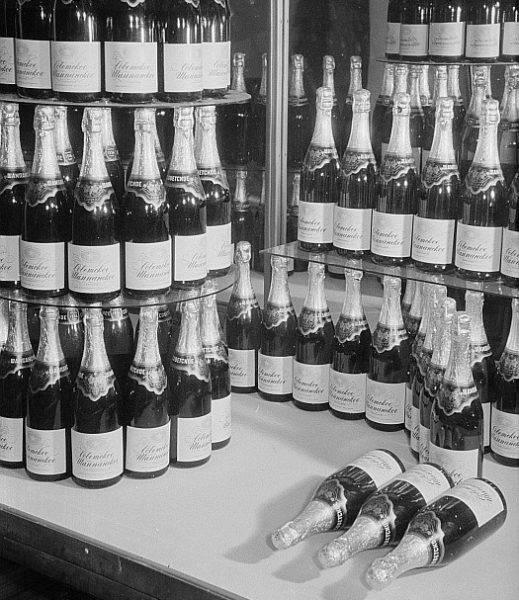 Radziecki szampan z miejsca stał się ulubionym trunkiem obywateli ZSRR. Z roku na rok zyskiwał na popularności.