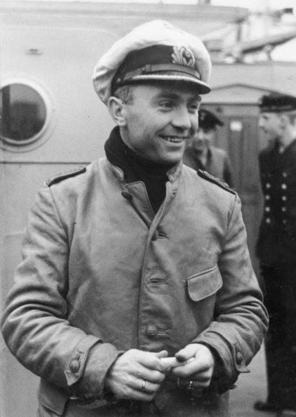Dönitz nie chciał uwierzyć w śmierć Priena i liczył, że po prostu radio na okręcie się zepsuło.