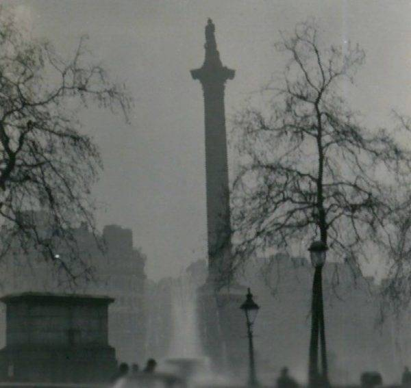 Kolumna Nelsona podczas wielkiego smogu
