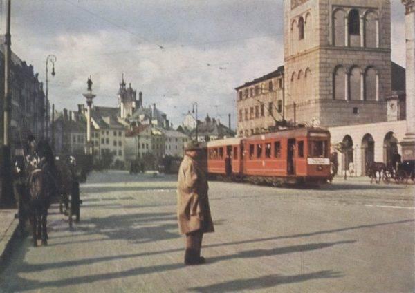 Latem 1939 roku Mimi planowała wybrać się do Warszawy, by poznać swoich krewnych (zdj. poglądowe).