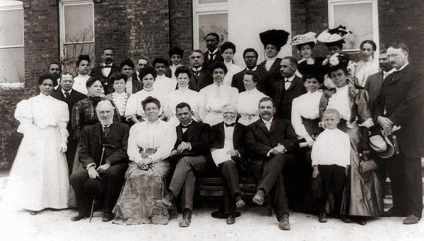 Ruch eugeniczny zaczyna wspierać m.in. potentat przemysłu stalowego Andrew Carnegie