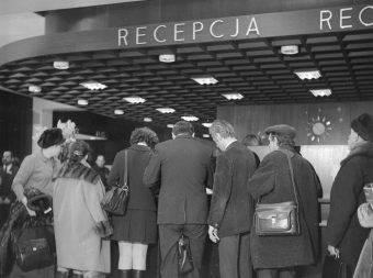 Zagraniczni goście przybywający do Polski, by sprzedać licencje na produkcję rozmaitych urządzeń, musieli mieć się na baczności (zdj. poglądowe).