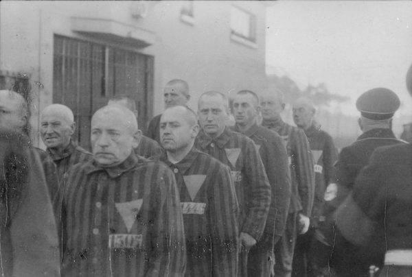 Michaił Diewiatajew trafił najpierw do obozu w Rudzie Pabianickiej pod Łodzią, potem przeniesiono go do Sachsenhausen. Tam miał zostać rozstrzelany (na zdj. więźniowie Sachsenhausen, zdj. poglądowe).