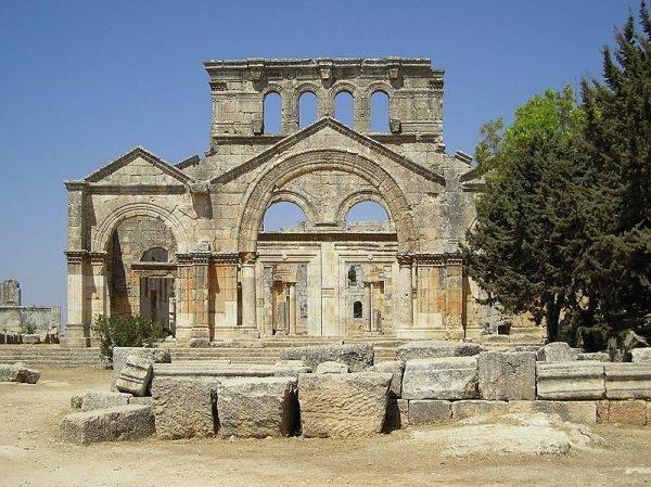 Ruiny bazyliki św. Symeona Słupnika (arab. Qala'at Samaan) leżące niedaleko Aleppo w Syrii