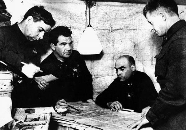 Dowódca 62 Armii, Vasily Chuikov, wysłał Sergiusza do miejscowości Tuła nad Upą, gdzie miał rozpocząć edukację w szkole Suvorova.