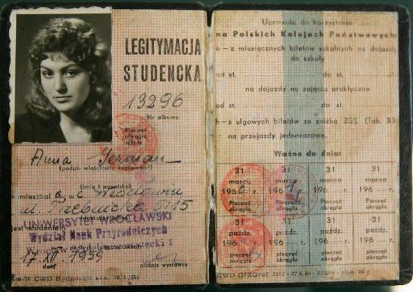 Legitymacja studencka Anny German.
