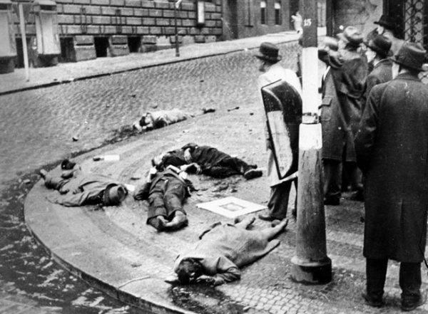 Dopiero w ostatnim roku wojny Czesi zdecydowali się znowu podnieść rękę przeciwko Niemcom, wszczynając trwające od 5 do 9 maja powstanie praskie.