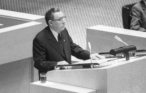 """Andriej Gromyko – """"Mister niet"""" – słowem """"niet"""" (""""nie"""") najczęściej reagował na propozycje Zachodu. Jednak radziecka dyplomacja nie zawsze tak wyglądała."""