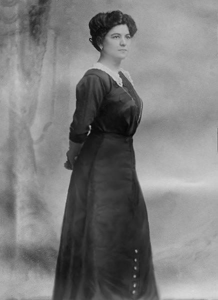 W nowej parafii Hans poznał Annę Aumüller, imigrantkę z cesarstwa Austro-Węgierskiego, która pracowała jako gosposia na plebanii. Jak miał potem stwierdzić, Bóg przemówił do niego i kazał mu ją kochać.