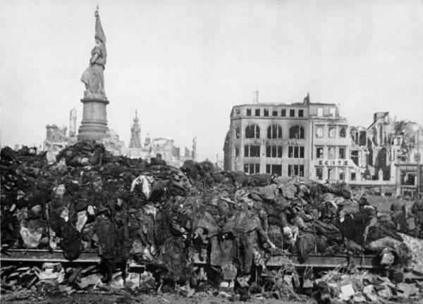 Naloty na Drezno pochłonęły od 18 do nawet 25 tysięcy ofiar.