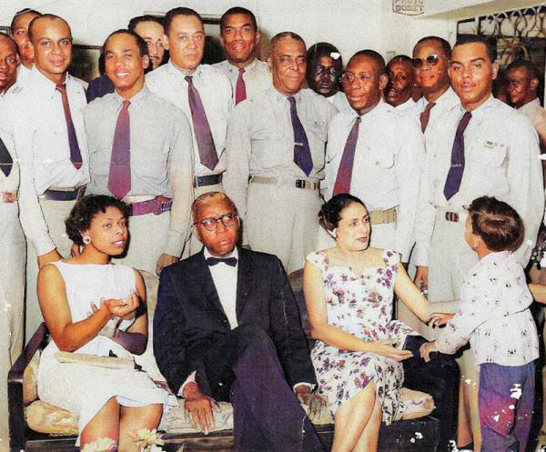 François Duvalier, autokrata rządzący Haiti w latach 1957–1971, ustanowił voodoo religią państwową.