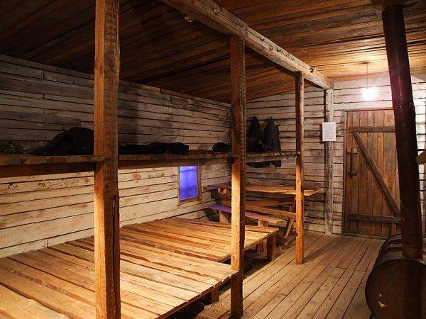 Rekonstrukcja typowego baraku mieszkalnego Gułagu – Muzeum Okupacji w Rydze