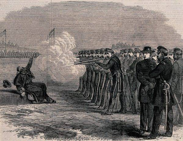 Pluton egzekucyjny armii amerykańskiej rozstrzeliwuje dezertera w czasie wojny secesyjnej.