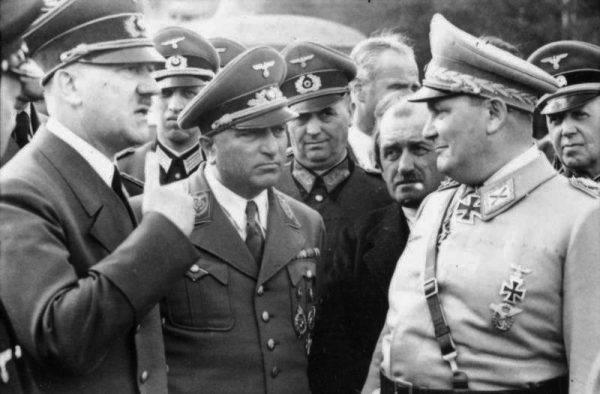 """""""Hitler nie może być w dwóch miejscach jednocześnie. Gdyby tylko było to możliwe, to wiele decyzji można by podejmować znacznie szybciej. To jest chyba największa wada naszego wodza""""."""