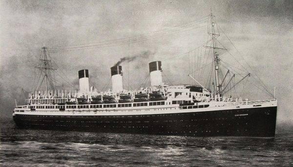 Wśród tych pływających umieralni znalazł się też SS Cap Arcona.