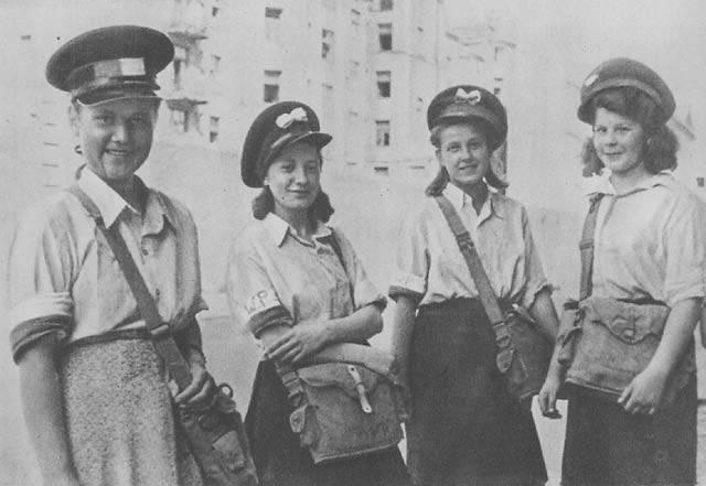 Konspiracja, harcerskie zabawy i obietnica chwały, a potem morze krwi, cierpienie i śmierć – tak w skrócie można opisać udział dzieci w Powstaniu Warszawskim.