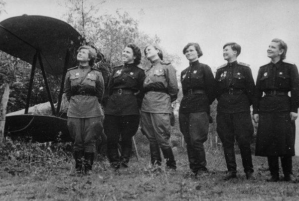 Absolutnie wszystkie stanowiska – od pilotów po mechaników i techników – zajmowały kobiety.