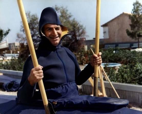 """Louis de Funès na planie filmu komediowego """"Mały pływak"""""""